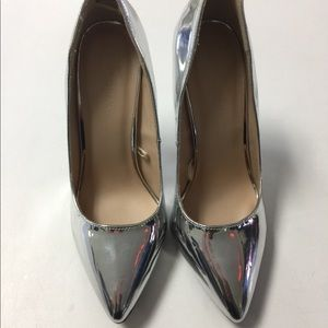 Beautiful Metallic Heels!